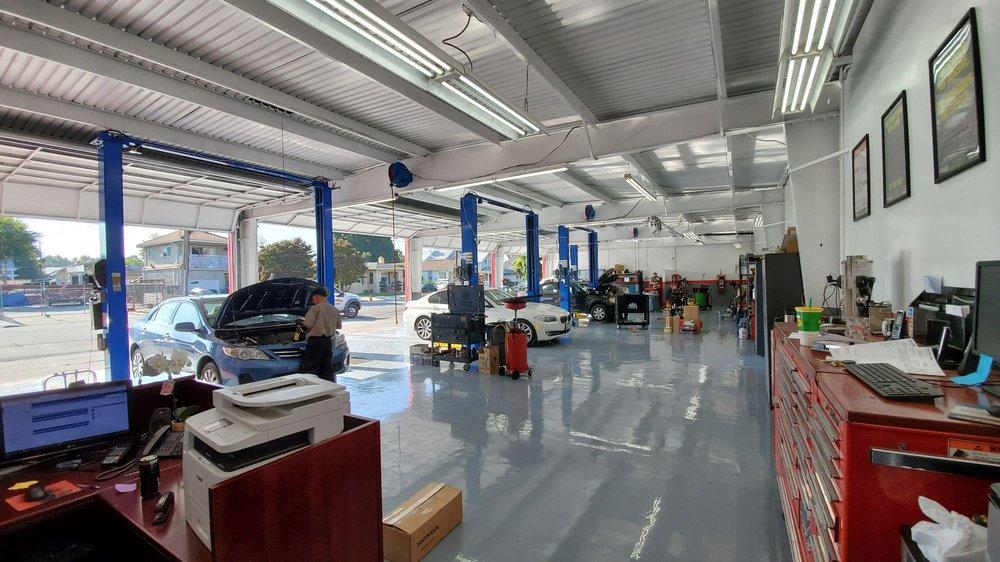 akins auto main floor